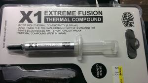 Thermal paste with cleaning cloth included.